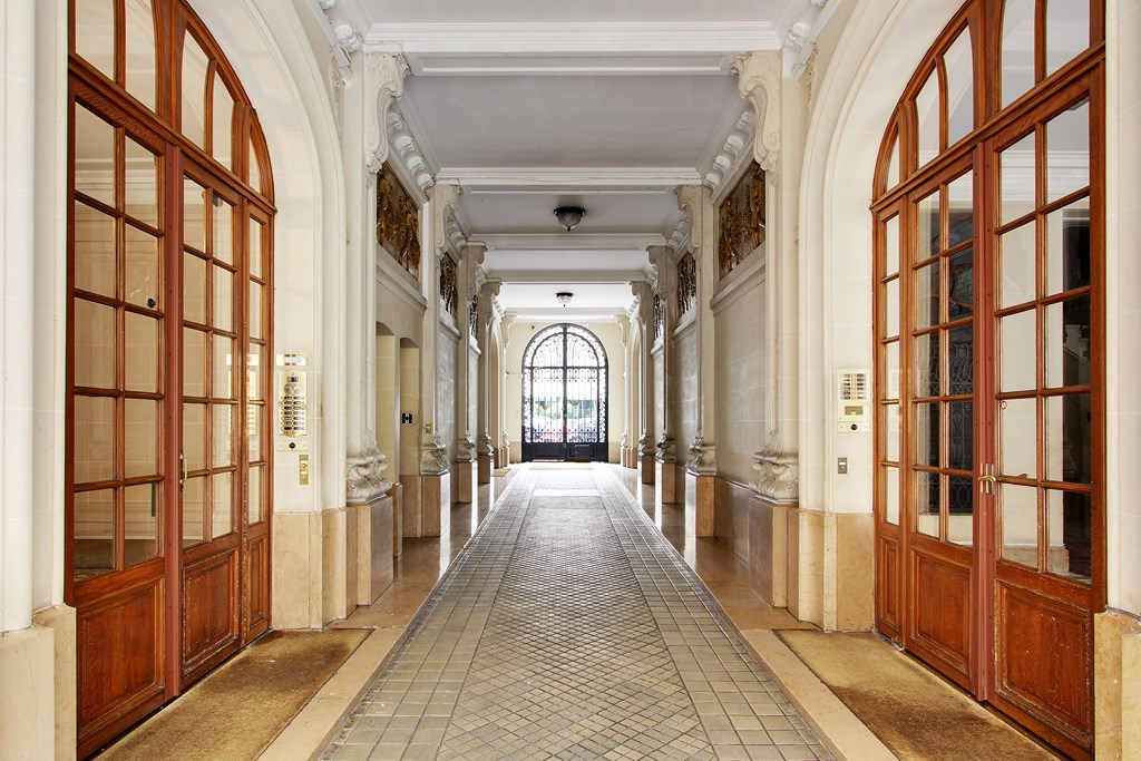 Paris XVI Dauphine Victor Hugo 280 M Professions