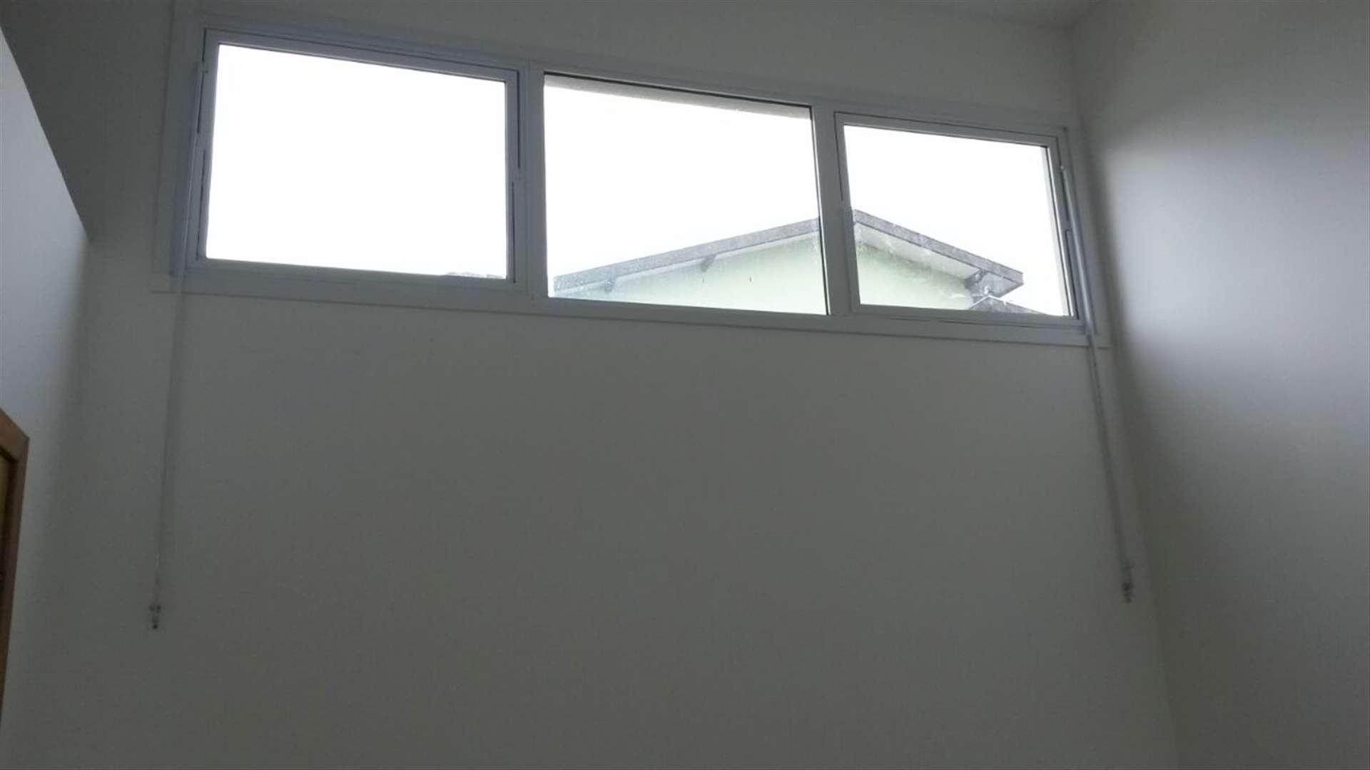 Image result for janela basculante casarao