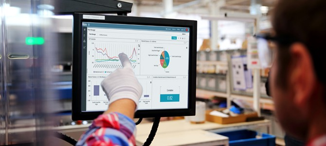 Manufacturing analytics dashboard data - keeping a narrow focus