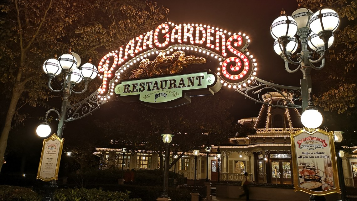 Join your favourite Disney characters for breakfast at Plaza Gardens!