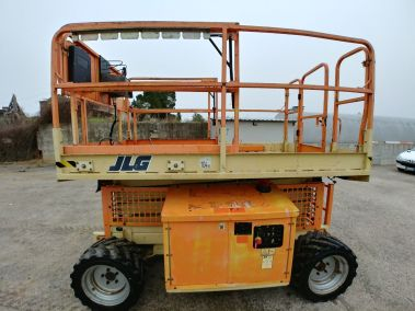JLG M260