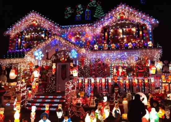 Holiday House Decorating