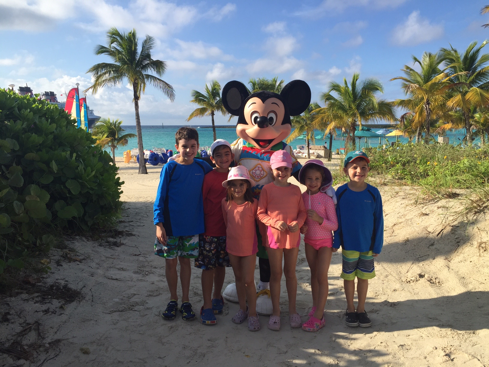 Castaway Cay characters group