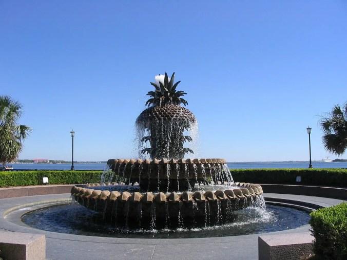Charleston-with-kids-Pineapple-Fountain