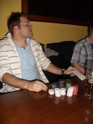 im Pub beim Pokern
