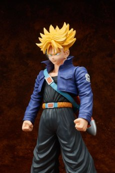 gigantic-series-trunks-super-saiyan-04