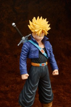 gigantic-series-trunks-super-saiyan-05
