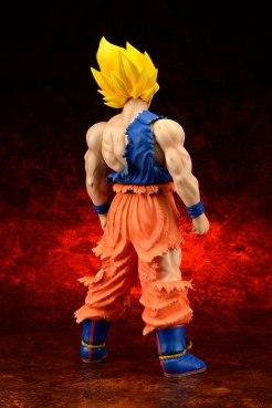Gigantic-Series-Son-Goku-SS-Damaged-Ver-3
