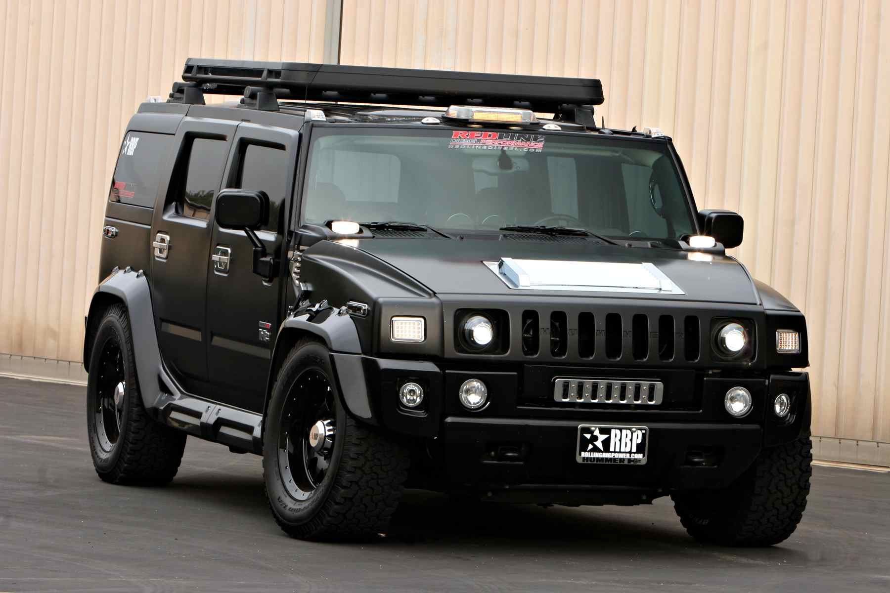 Hummer, Luxury SUV