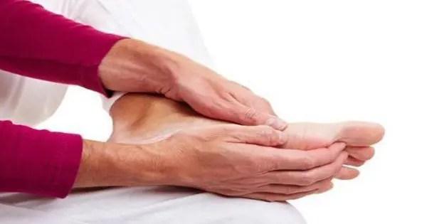 a lábak duzzadása ízületeket okoz akut ízületi fájdalom kezelése