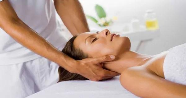 Automático de imágenes terapeuta de masaje