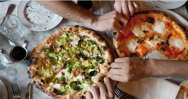 blog de imágenes de personas que comen la pizza