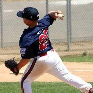 blog picture of youth baseball player
