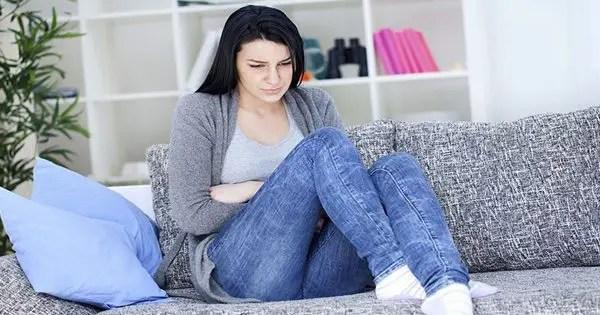 femme avec des symptômes de la fibromyalgie