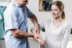 physiotherapy-remedies-for-joint-pain-22589-3