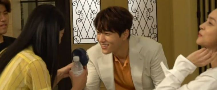 """Watch: Shin Hye Sun And INFINITE's L Have Fun Behind the Scenes of """"Angel's Last Mission: Love"""""""