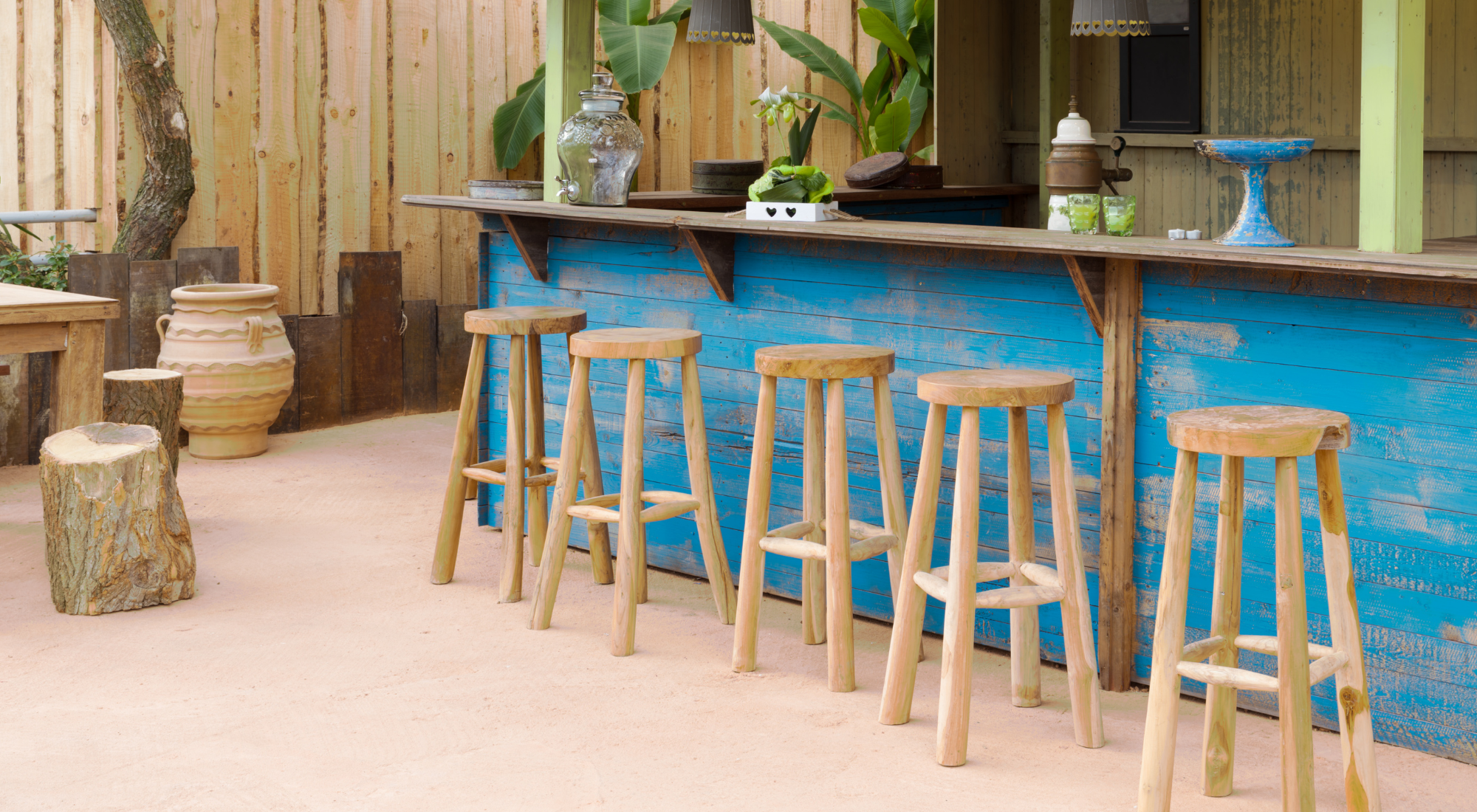 How to build a garden bar