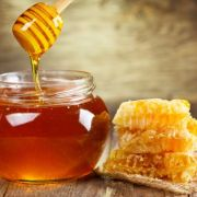 Shahad ke Fayde: Benefits of Honey in Hindi