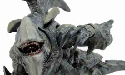 kaij - #SDCC15: Mutavore and Ultimate Edition Jaeger Join NECA's Pacific Rim Toy Line