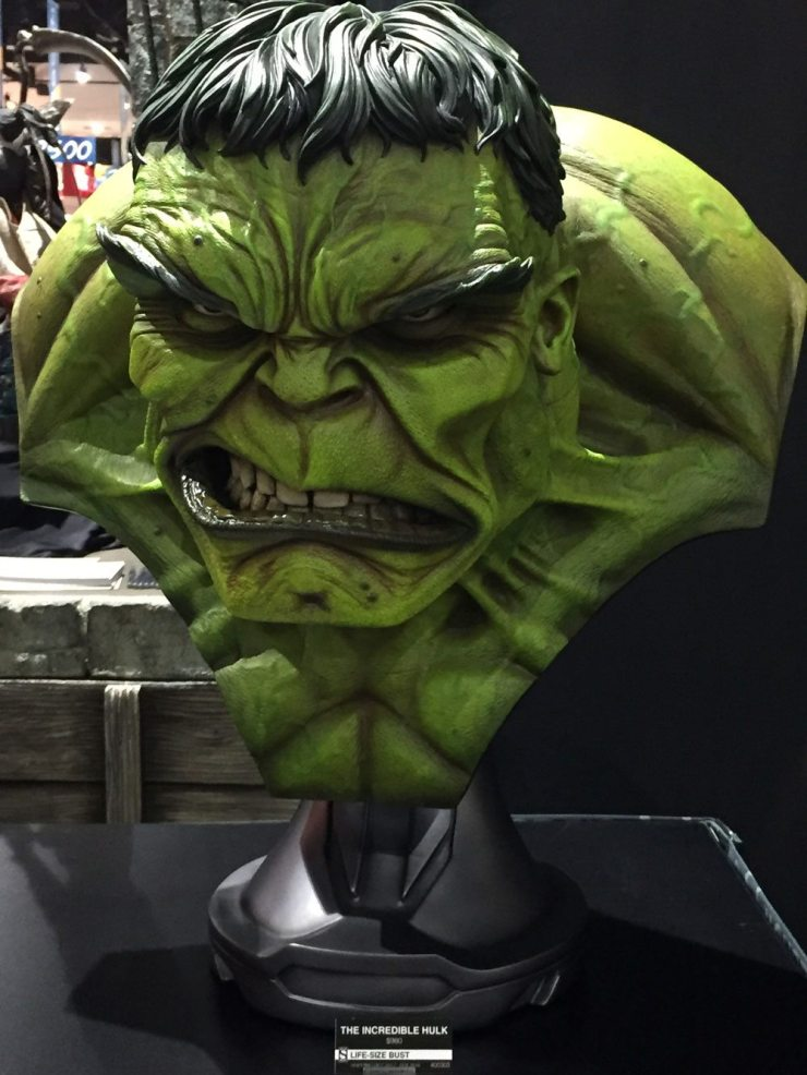 sdcc17 sideshow6 - #SDCC17: Bow Before Sideshow's Court of the Dead; New Hulk, Aliens, and More!