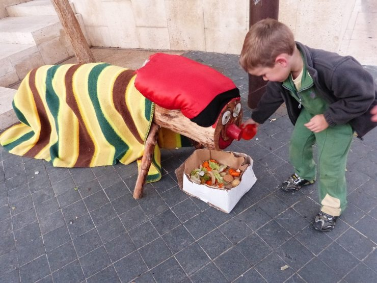 CatalanLog - 10 Truly Wacky Xmas Facts, Happenings and Traditions