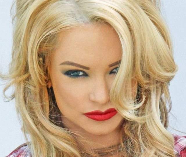 Dont Fck In The Woods 2 Adds Mindy Robinson As Indiegogo Campaign Hits 75