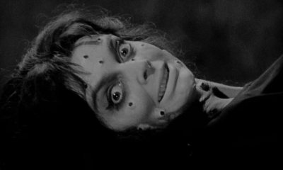 BlackSunday - Look, There Comes One Of Them Now! Eight Classic Horror Movie Openers