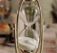 hourglass - See Patrick Rea's The Hourglass Figure Short Film in its Entirety