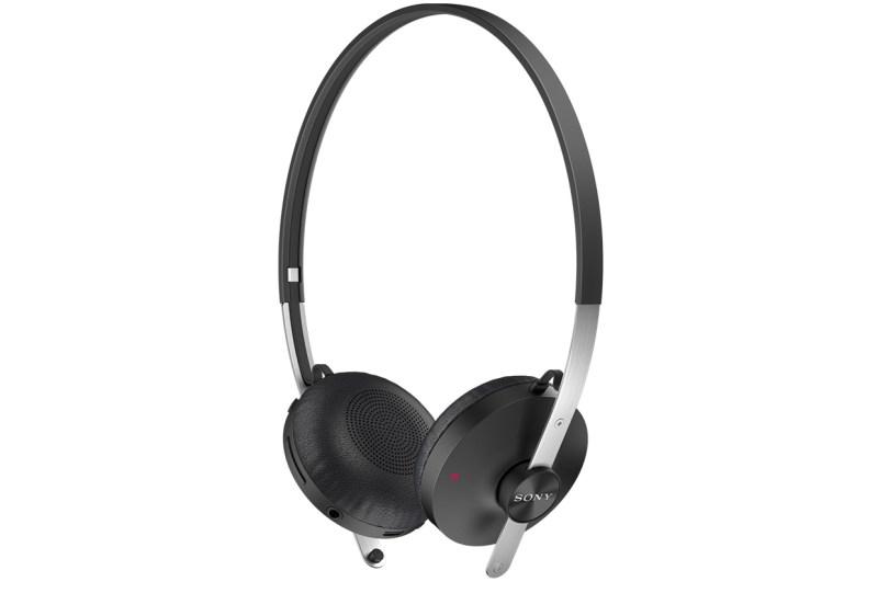 SBH60-Stereo-Bluetooth-Headset-black-1240x840-b62ae267ec7d41fc6bb00bd049792c45