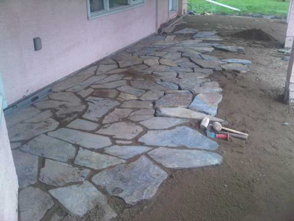 packing stones for a flagstone walkway