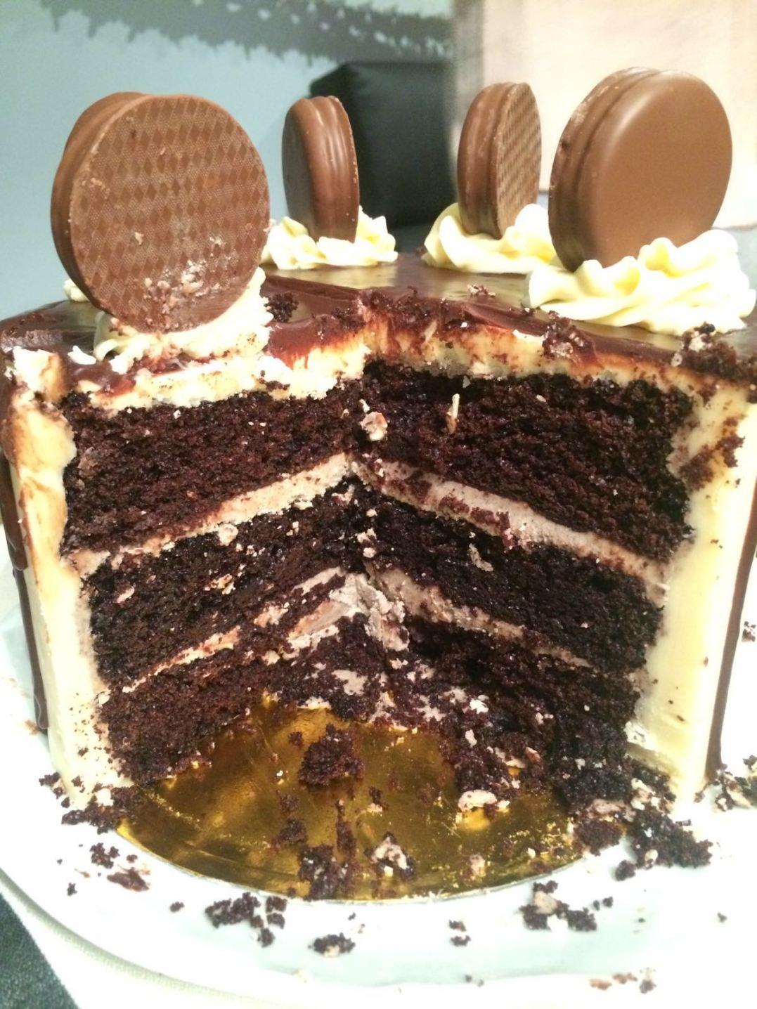 drip-cake-interior