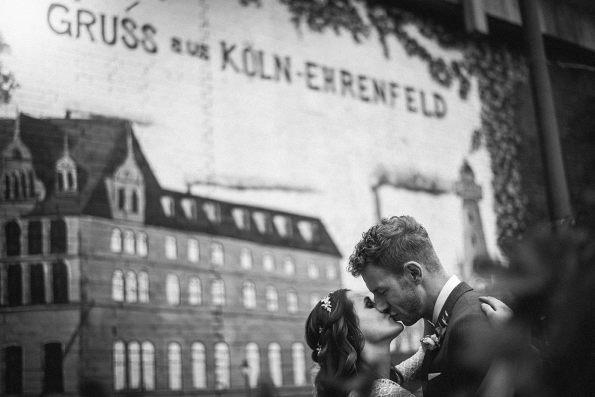 Hochzeitsfotografie-Köln-Neptunbad-Jana-und-Johannes-Standesamt-Dreamcatcher - 001 (32)
