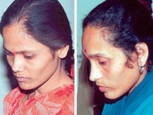 india-women-hanging.jpg