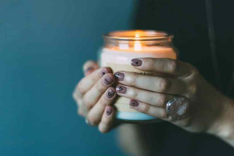 In memoriam - candle in hands