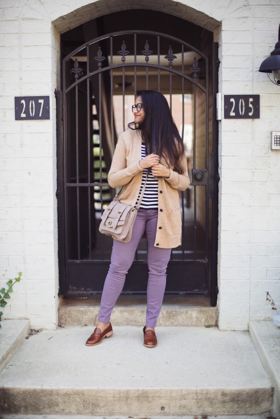 Lifestyle blogger Surekha of dreaming loud sharing 3 unique ways to wear a lilac jeans 1