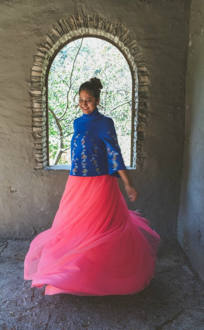 Lifestyle Blogger Surekha of Dreaming Loud sharing Diwali Indian fusion outfit with tulle skirt3