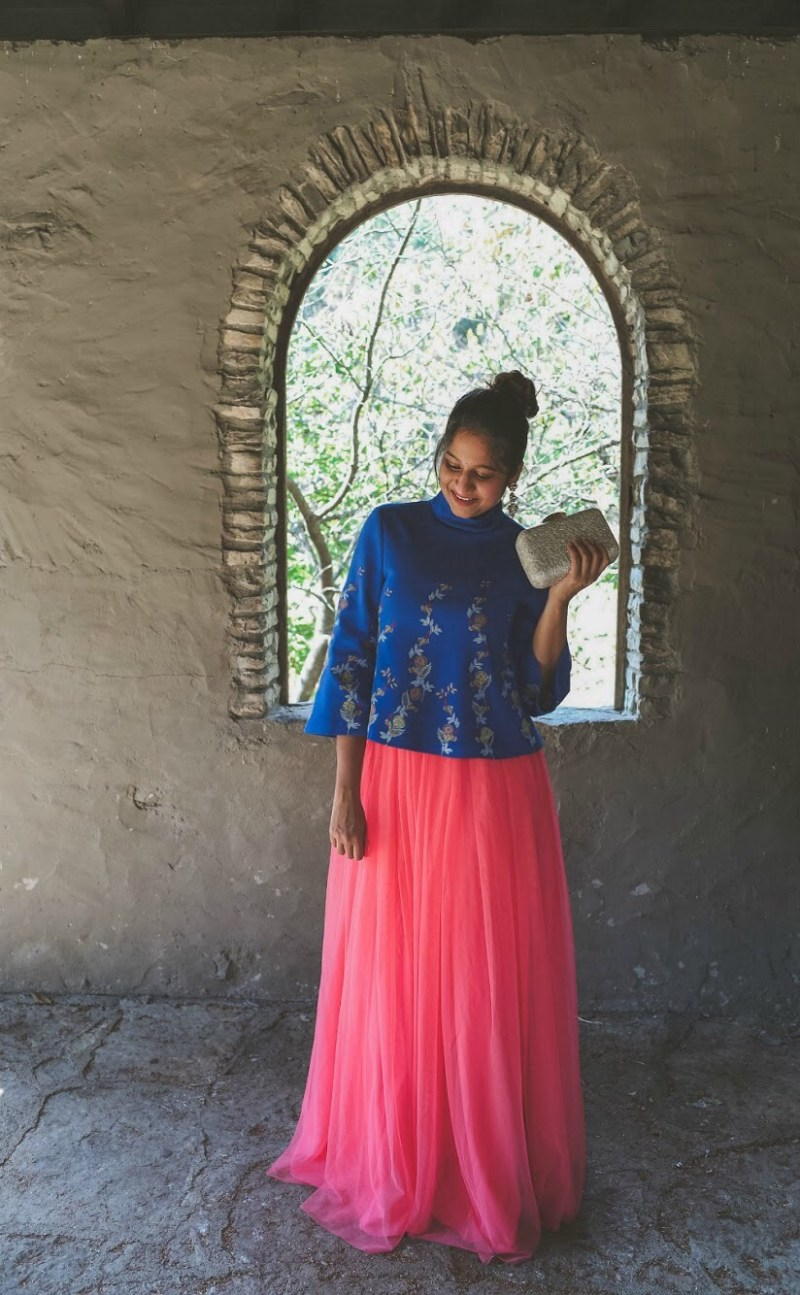 Lifestyle Blogger Surekha of Dreaming Loud sharing Diwali Indian fusion outfit with tulle skirt4