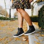Lifestyle Blog Dreaming Loud wearing Time slippers Hi top sneakers