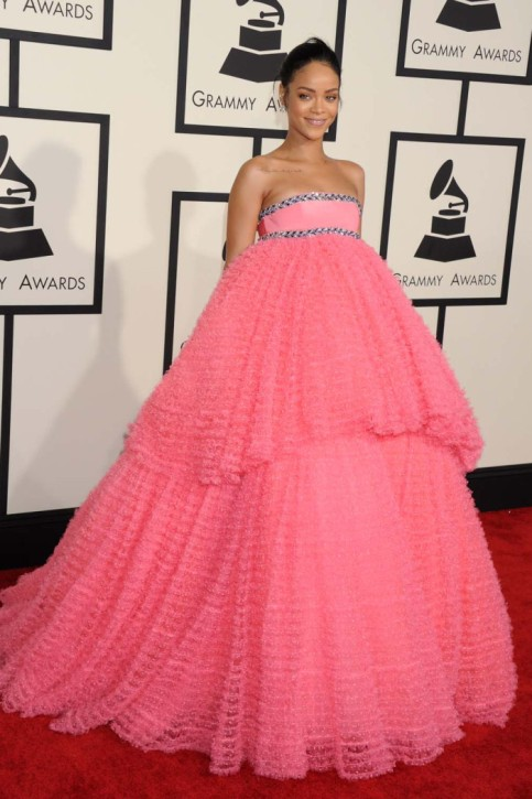 Rihanna in Giambattista Valli Couture - 2015 Grammy Awards