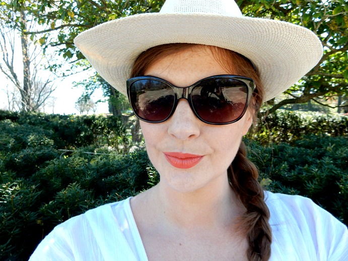 My Face and OOTD at the Park! Fedora, orange lip and sunglasses