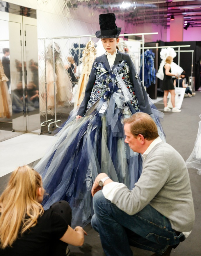 Backstage Viktor and Rolf Fall 2016 Haute Couture - Dream in Lace