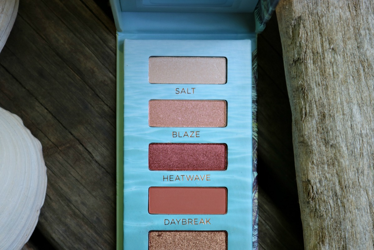 Long-Lasting Summer Makeup Look with Urban Decay Beached Eyeshadow