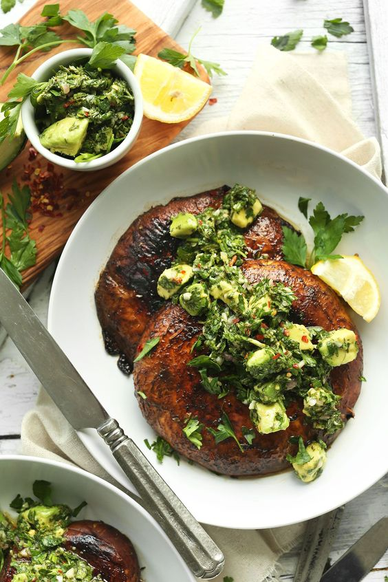Vegan Summer Recipes to Try I Portobello Mushroom Steaks #Vegan #SummerRecipes