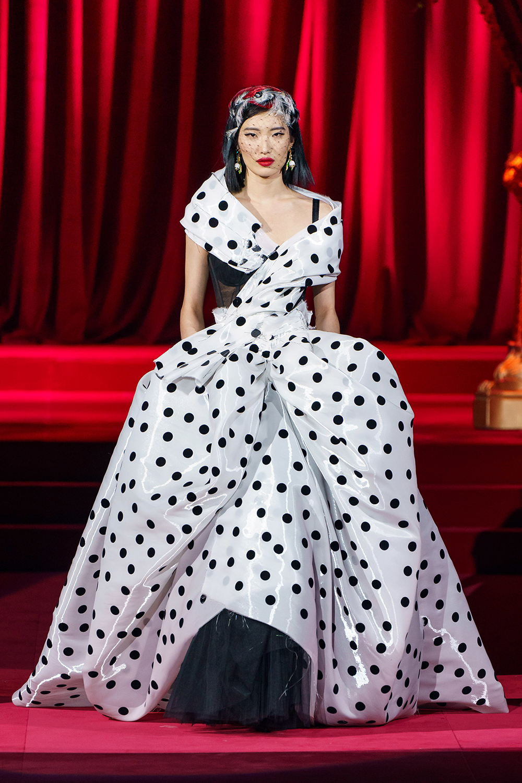Best Milan Fashion Week Looks I Dolce and Gabbana Fall 2019 Runway #FashionWeek #HighFashion #MFW
