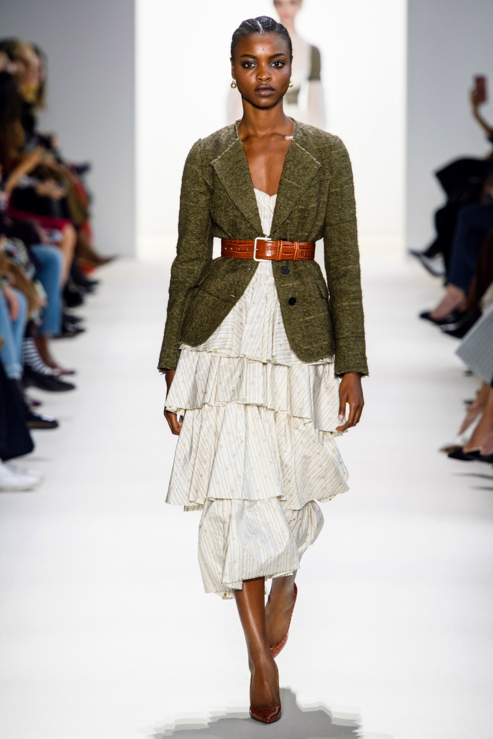 2019 Fall Fashion Trends to Wear Now I Belted Waist on Brock Collection FW19 Runway #FallFashion #Runway #Trends #FashionBlog #Styleinspo