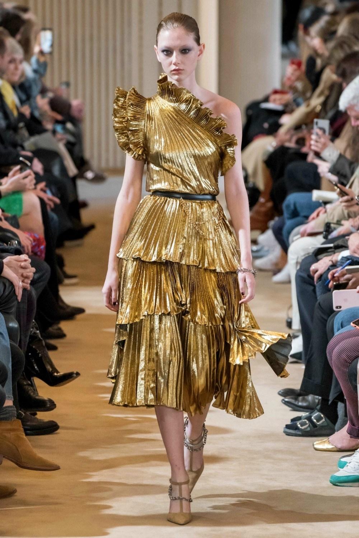 2019 Fall Fashion Trends to Wear Now I Gold on the Altuzarra AW19 Runway #FallFashion #Runway #Trends #FashionBlog #Styleinspo