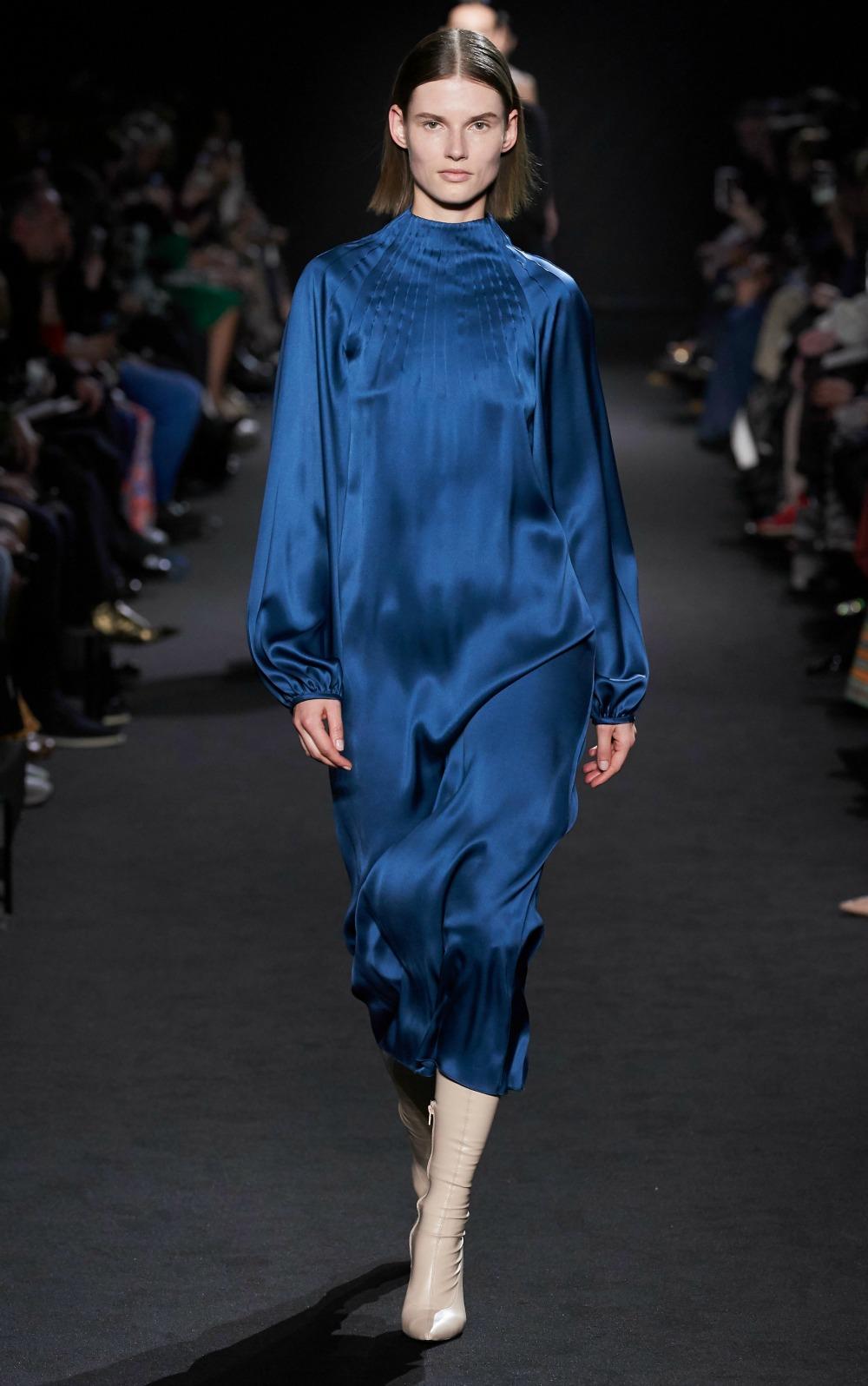 2019 Fall Fashion Trends to Wear Now I Satin Dress on the Rochas AW19 Runway #FallFashion #Runway #Trends #FashionBlog #Styleinspo