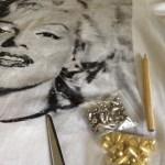Тениска с капси Marilyn Monroe DIY (Вдъхновена от Kandee Johnson)