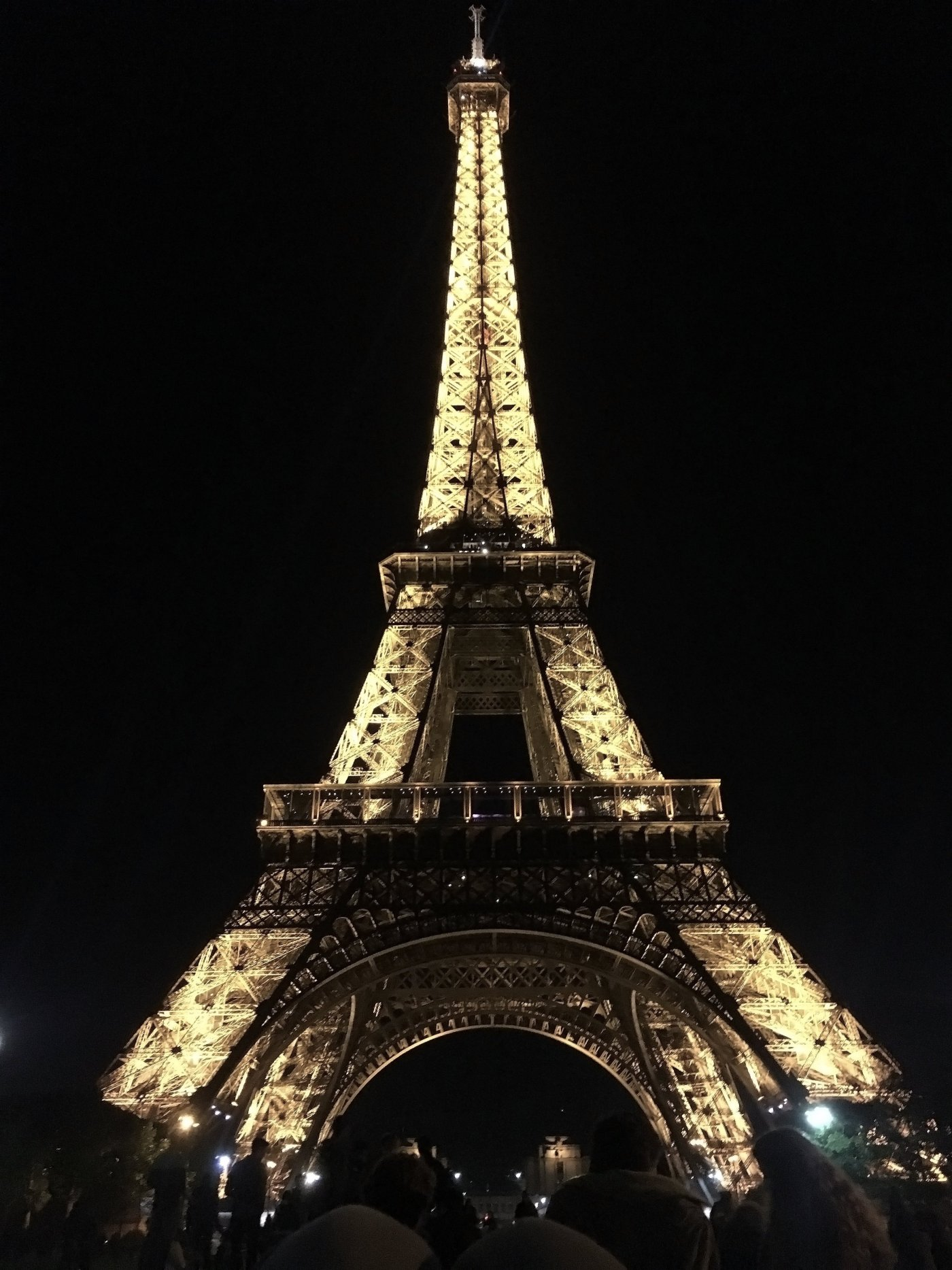 eiffel tower night photo cassidy kearney traveling