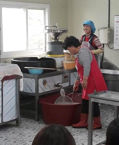 handmade tofu making